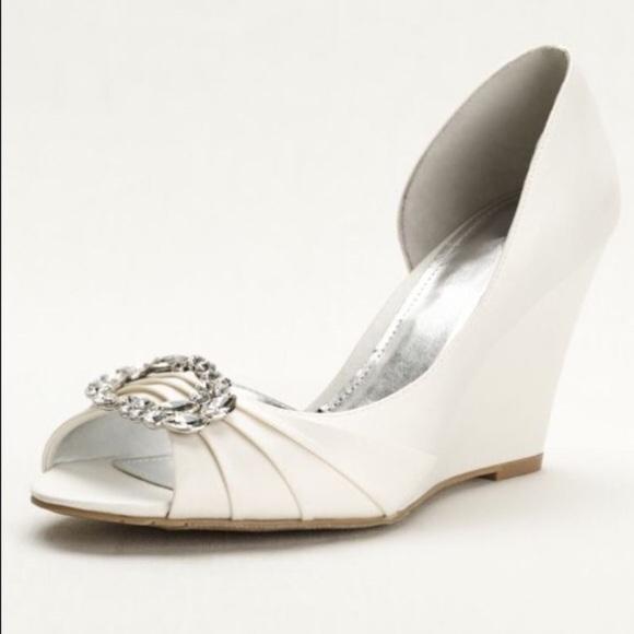 0c34a464396fe David s Bridal Shoes